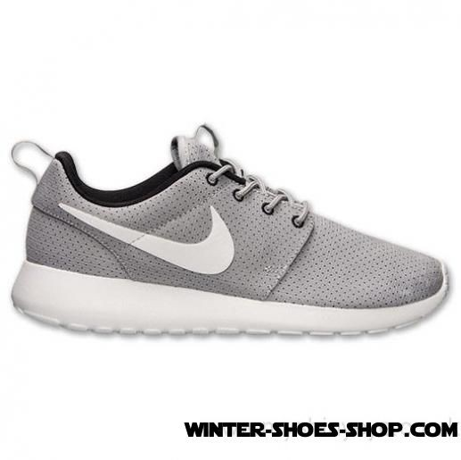 Fire Sale US Women's Nike Roshe Run Casual Shoes Wolf Grey/White/Black Up To 78% Off - Fire Sale US Women's Nike Roshe Run Casual Shoes Wolf Grey/White/Black Up To 78% Off-01-0